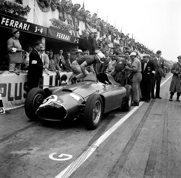 56ASJ-M11 1956 British Grand Prix; Silverstone Ferrari-Lancia; A. de Portago