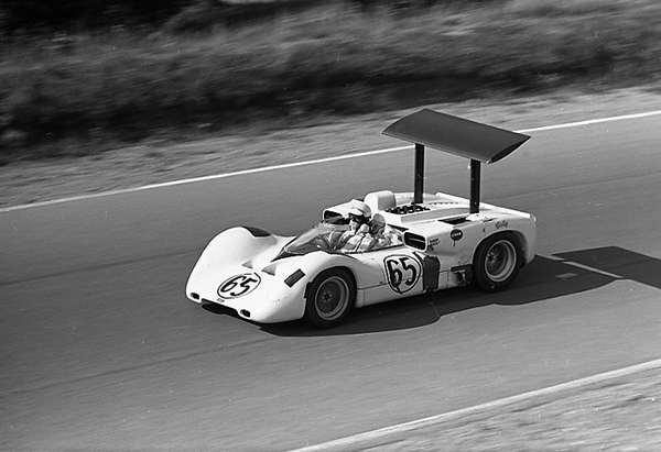 Chaparral, Jim Hall. Mosport, Phil Hill