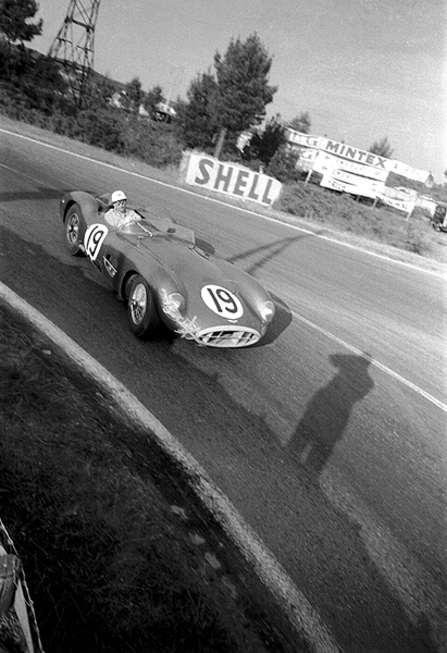 Aston Martin, Mulsanne, Roy Salvadori
