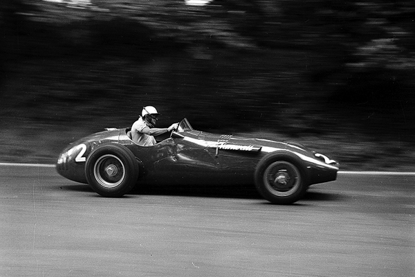 Harry Schell, Crystal Palace, Vanwall