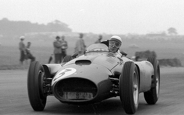 Castellotti, Ferrari, Silverstone, klemcoll