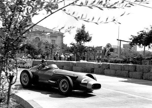 Maserati, Pescara, Fangio, klemcoll