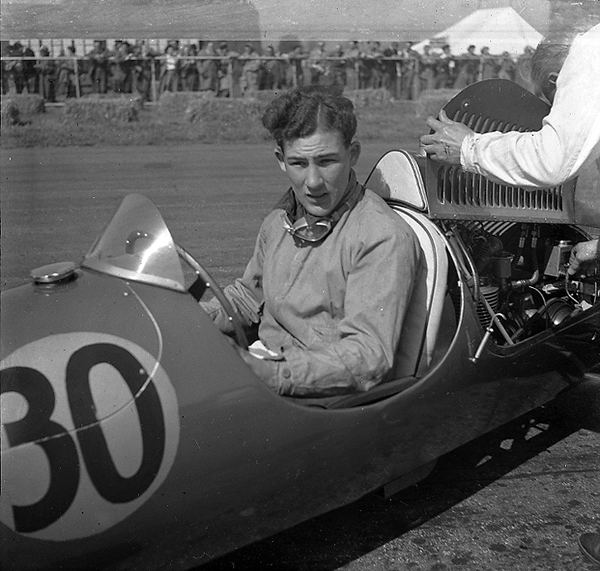 Cooper, Stirling Moss, Silverstone, klemcoll