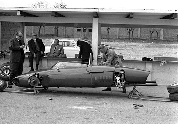 Ferrari Enzo Ferrari, Modena, klemcoll, Carlo Chitii