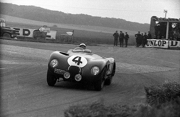 Moss Jaguar, Reims klemcoll