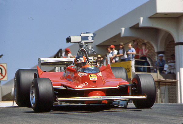 Gilles Villeneuve, Long Beach, Ferrari, klemcoll